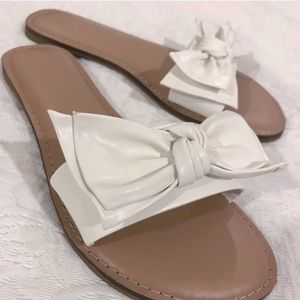 Shoes - NEW White Bow Slides Sandals Size 7